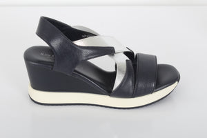 RITA C The cross-over sandals