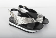 Load image into Gallery viewer, SANTINI Cross-over sandals