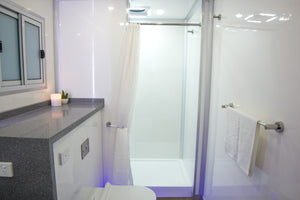 Luxury Ensuite Trailer Shower & Toilet