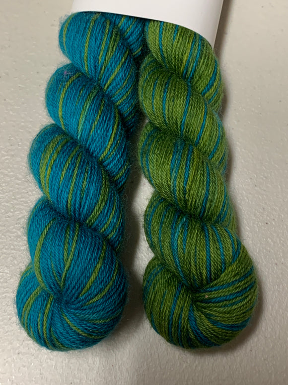 Etude no.18 Polar Opposites; Self-Striping William Merino Fingering Yarn