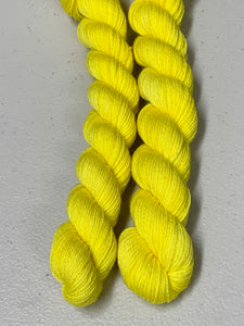 YELLOW Contrast Heel & Toe Skein; William Merino yarn