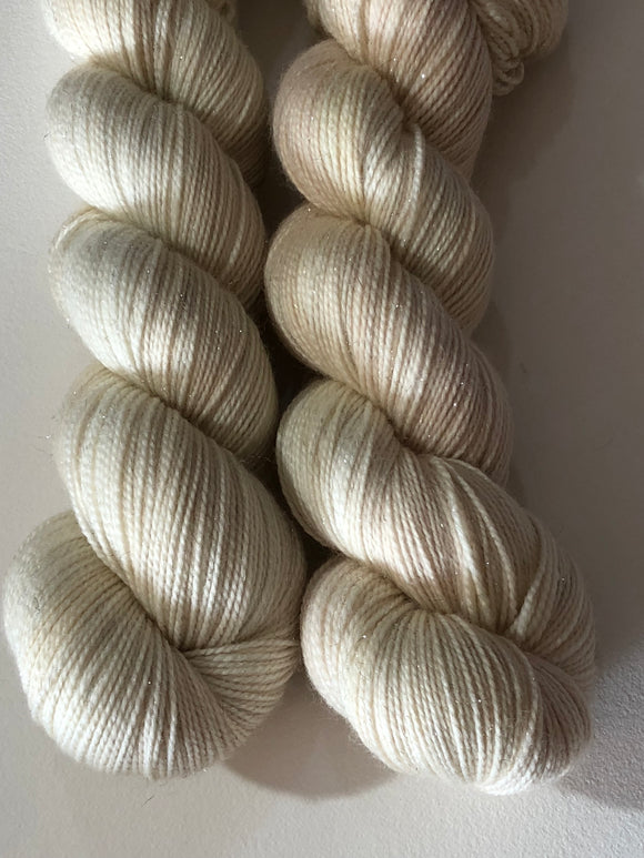 The Queen's Pearls; Contrast Color on Oscar Sparkle Fingering Weight Yarn