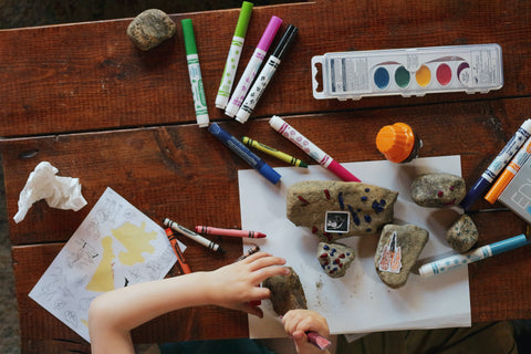 art-supplies-on-a-table