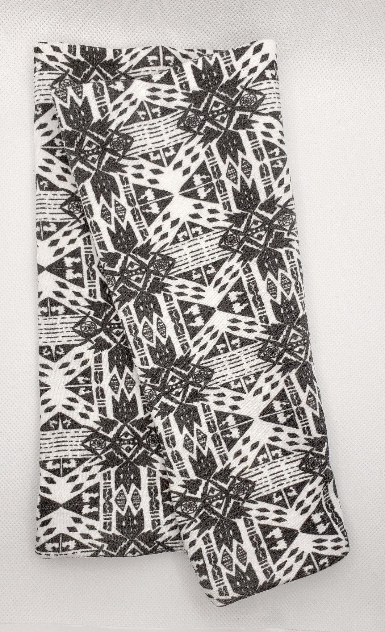 Black and White Aztec Buff