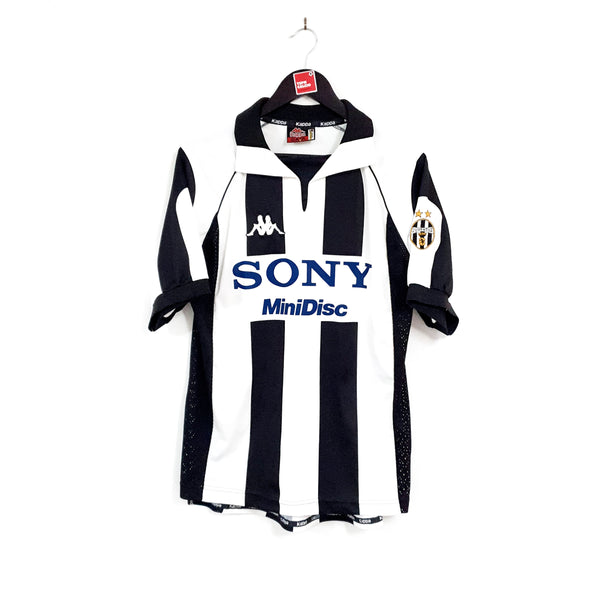 Juventus home football shirt 1997/98