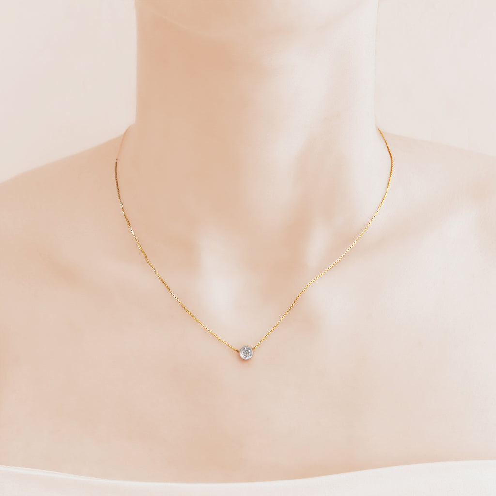 Pure Diamonds essential gold necklace with a 0.32 carat diamond (Bezel)