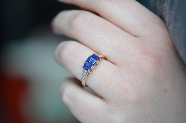 Electric Blue Vintage Sapphire Trilogy Ring