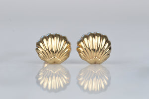 Summery Vintage Gold Shell Studs