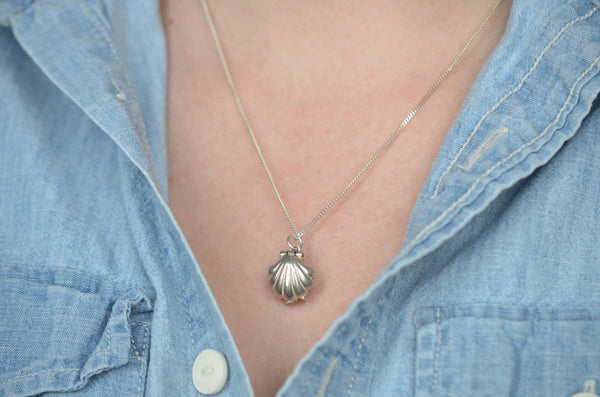 Darling Silver Vintage Shell and Pearl Charm