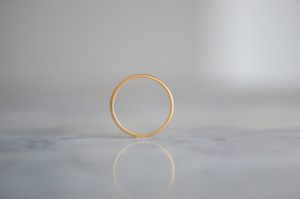 Glowing Art Deco 22k Band Ring