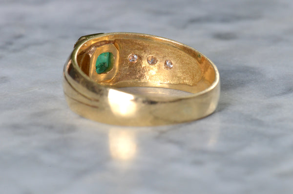 Striking Vintage Emerald Wide Band
