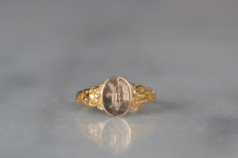 Detailed Antique V Signet Ring