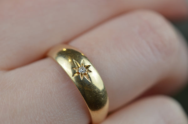 Essential Vintage Star Set Ring