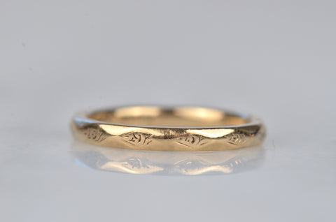 Soft Midcentury Engraved Facet Band