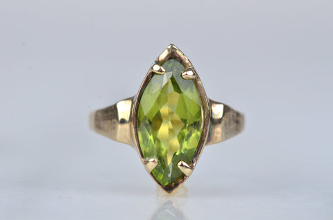 Sexy Vintage Marquise Peridot Ring