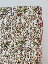 Load image into Gallery viewer, Summer blanket | Cotton quilted | White, peach and green flowers