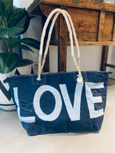 Load image into Gallery viewer, TRAVEL FAVORITE! | Ali Lamu | Weekend bag | Blue | LOVE in cream
