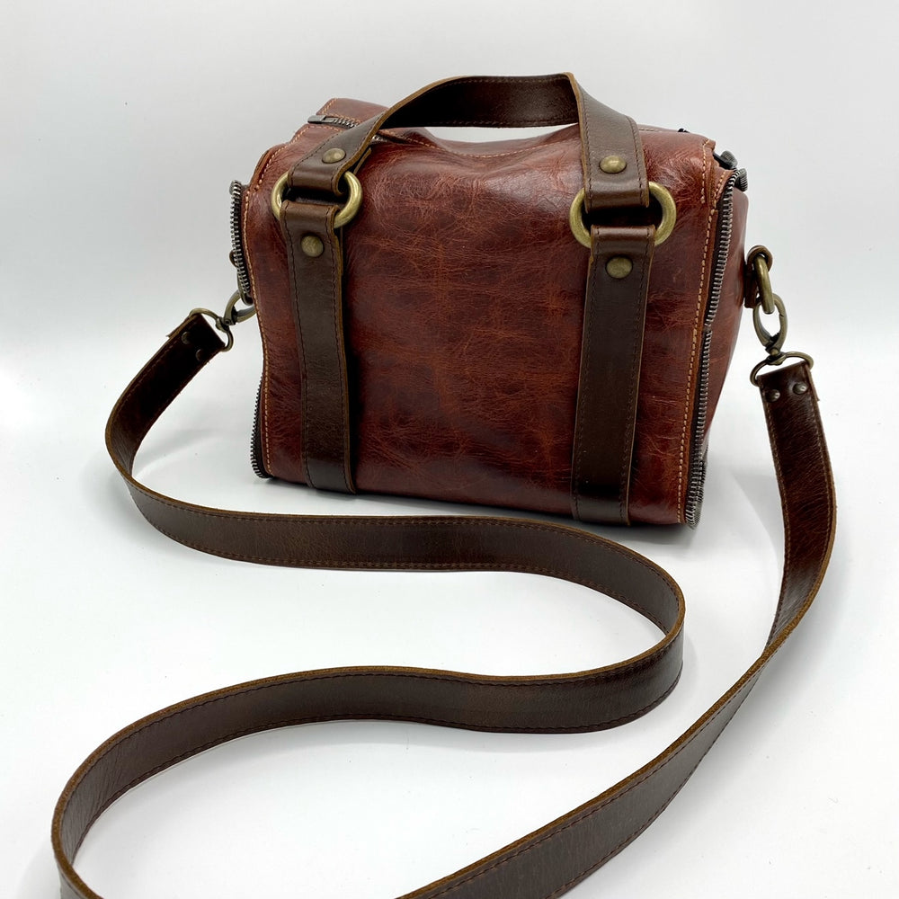 leather purse, handcrafted