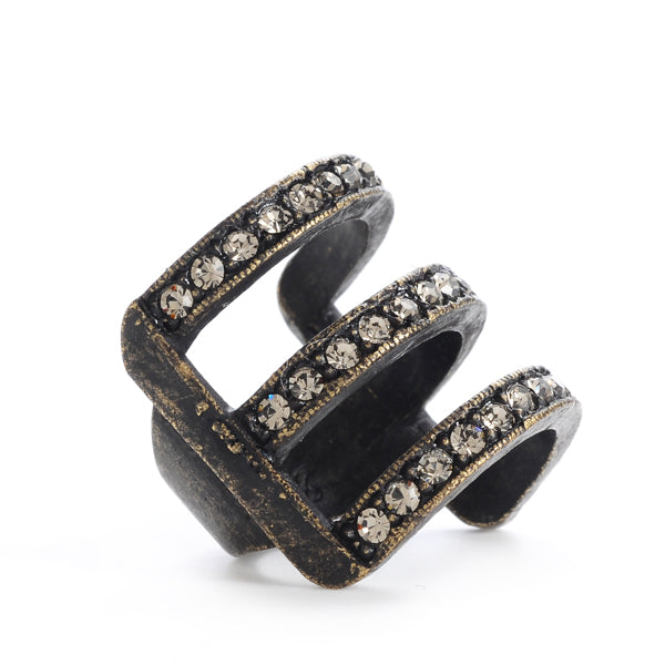 R68 three row ring, black diamond