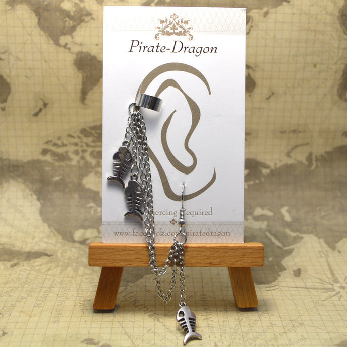 Pierced Earcuff - Silver Chains with Fish Skeletons (EC96120)