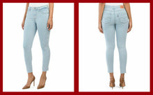 Load image into Gallery viewer, Levi's 721 High Rise Skinny w Studs - The Denim House