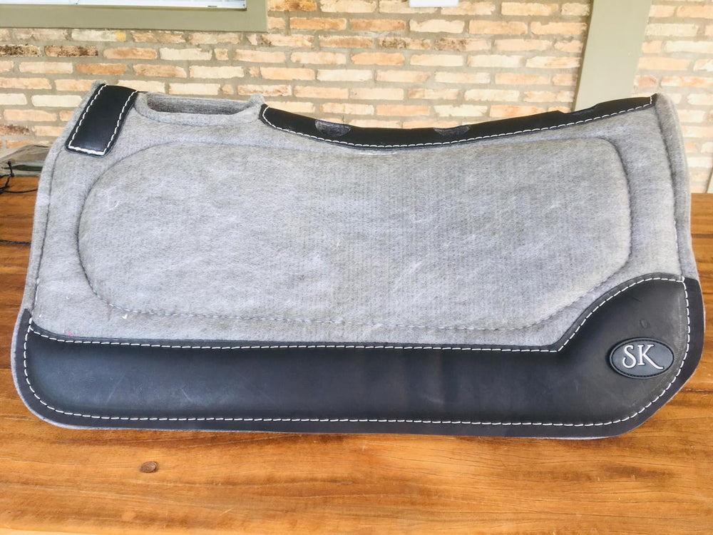 GRAY SK SPINAL RELIEF SADDLE PAD BLACK WEAR LEATHERS