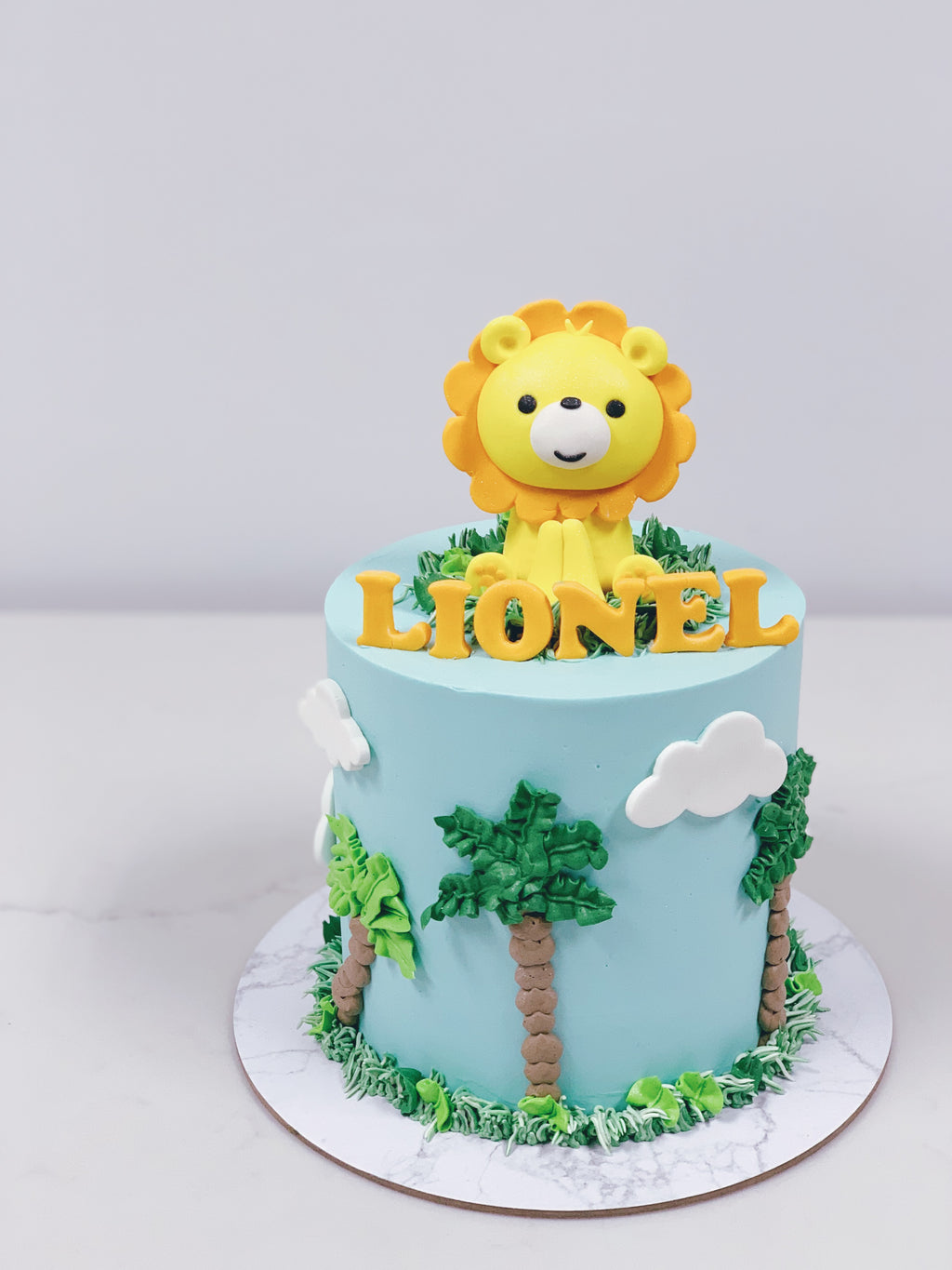 Lion with Palm Trees and Clouds Cake