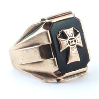 Sigma Chi Fraternity 14K Yellow Gold Mens Crest Ring Set In Black Onyx