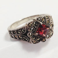 Vintage Sterling Silver Garnet Ring side 1