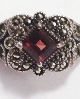 Vintage Sterling Silver Garnet Ring close