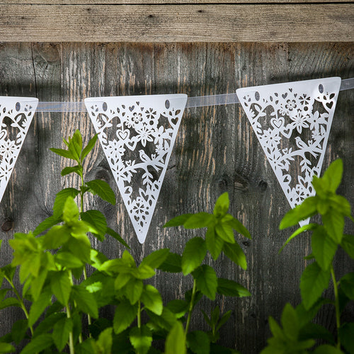 White lovebirds bunting