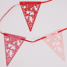 Load image into Gallery viewer, Red and pink lovebirds bunting
