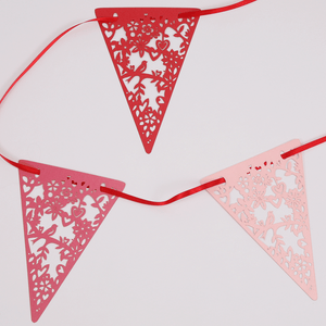 Red and pink lovebirds bunting
