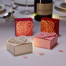 Load image into Gallery viewer, Romantic wedding favour boxes