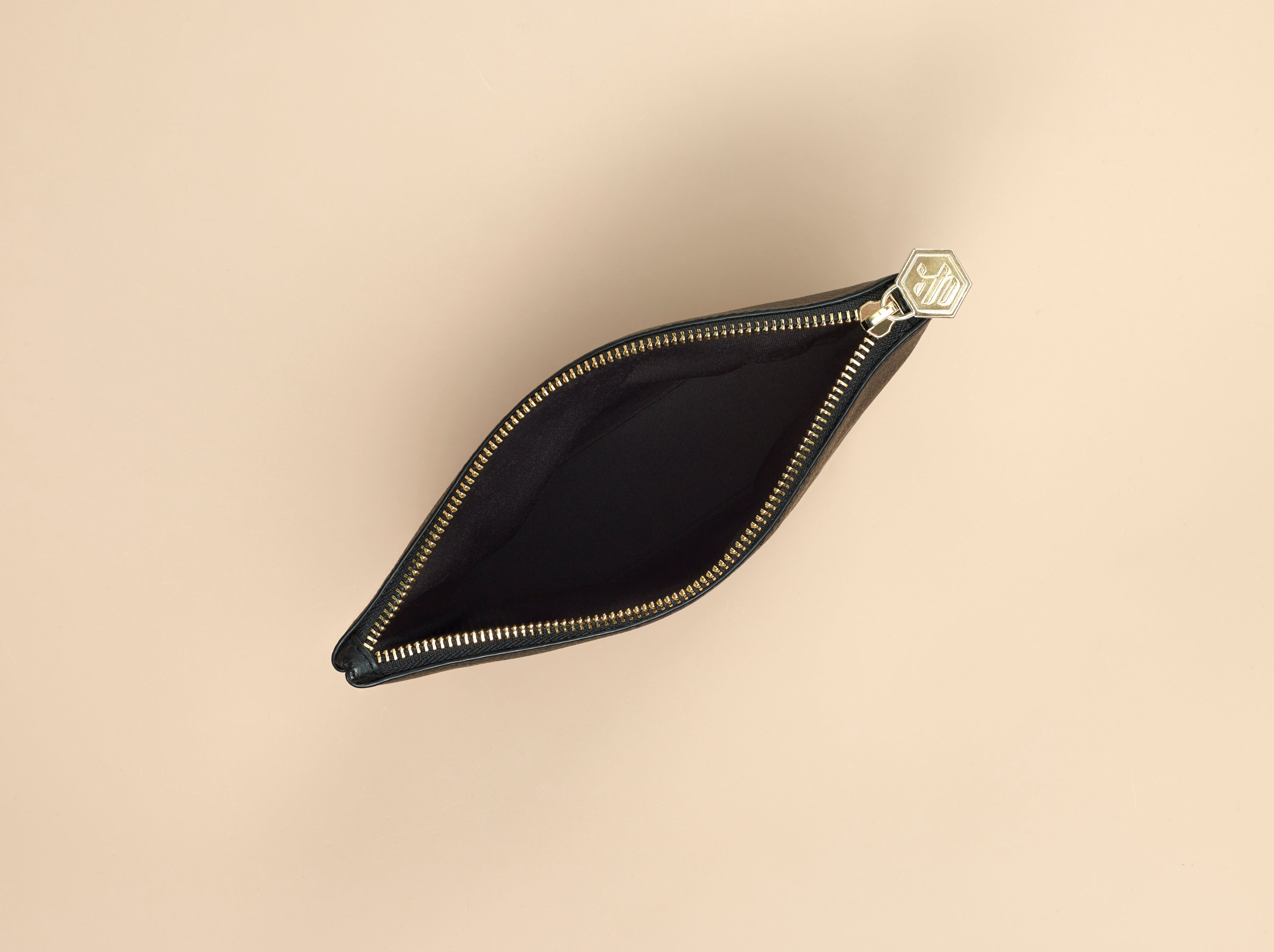 The Assistant - Black Tech Handbag | BEE & KIN