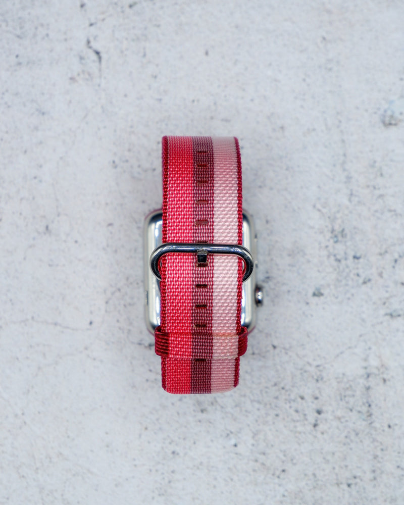 Woven Nylon Berry Classic | Armband für Apple Watch (Rot)