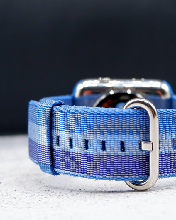 Canvas Tahoe Blue Classic | Armband für Apple Watch (Blau)