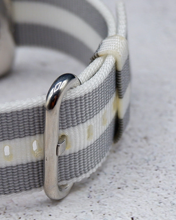 Woven Nylon White Stripe Classic | Armband für Apple Watch (Weiß)