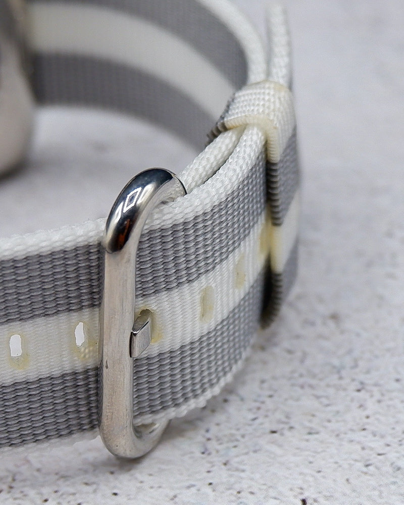 Canvas White Stripe Classic | Armband für Apple Watch (Weiß)