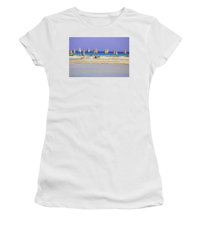 Beach, Sea And Umbrellas - Women's T-Shirt (Athletic Fit)