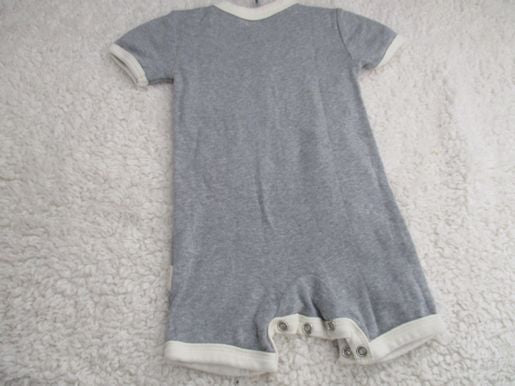 brand_burtsbees size_0-3m color_gray Romper