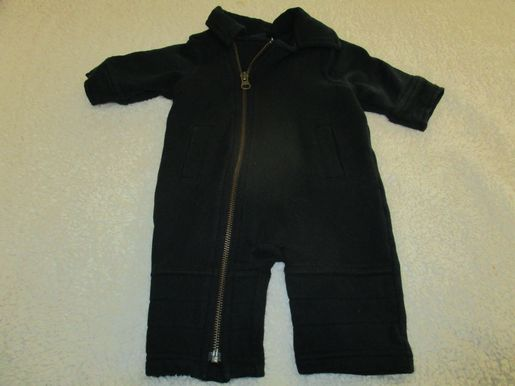 brand_gap size_0-3m color_black Romper