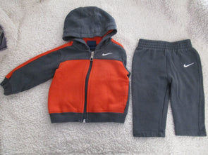 brand_nike size_6-9 mos color_gray 2 PC ensemble