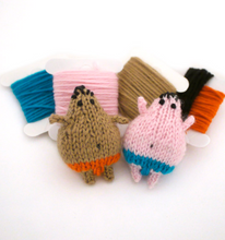 Load image into Gallery viewer, DIY - Knitting Kit - Sumo