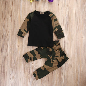 Camo Sweatshirt & Pants Set
