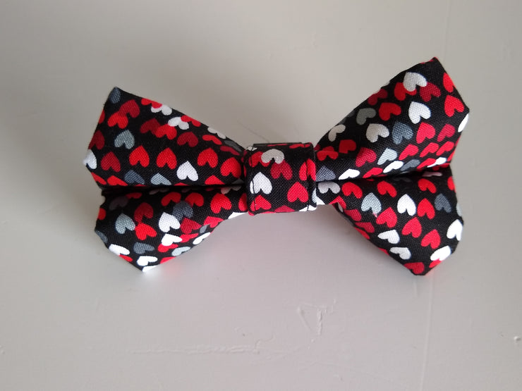 Black, White and Red hearts on a dark background Bow Tie