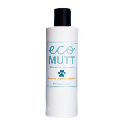 Shea Butter Natural Dog Shampoo - Rosemary, Lavender & Mandarin aromatherapy liquid shampoo. Shea butter is a natural nut butter that has fantastic moisturising properties. Great for dogs with allergies or skin conditions. Blended with pure aromatherapy oils. Natural dog shampoo using a carefully blended selection of Aromatherapy oils.