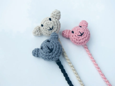 Knots NY Cuddles Pacifier Clip