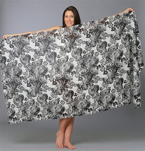 Load image into Gallery viewer, Sarong Black Floral