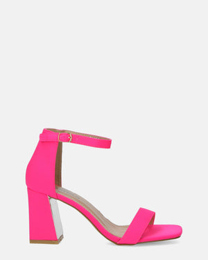 DANIEL - block heel sandals in fuchsia with silver details - QUANTICLO